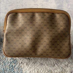 Gucci VGC vintage clutch